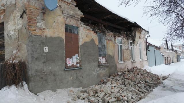 Жилой дом обрушился в городе Ирбите