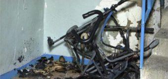 В Костромской 5-ти этажке сгорела детская коляска