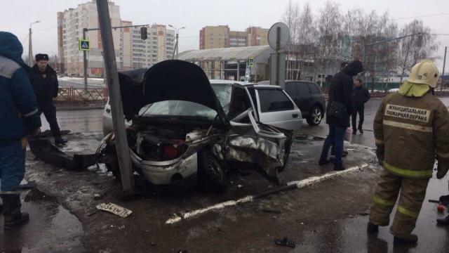 Жуткая авария в Ярославле, пострадали 3 человека в их числе ребенок