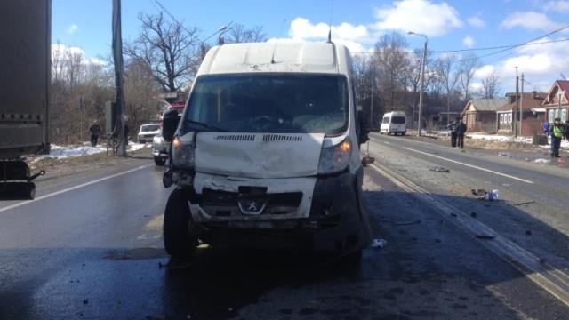 Смертельное ДТП слегковушкой имикроавтобусом случилось под Владимиром