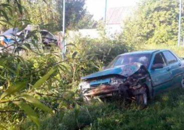 В Валуйском районе пьяный 18-летний водитель врезался в дерево