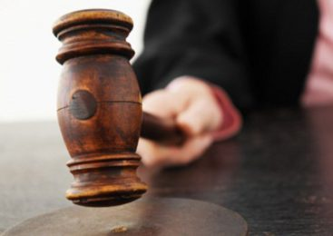Житель Удмуртии два месяца спаивал несовершеннолетних