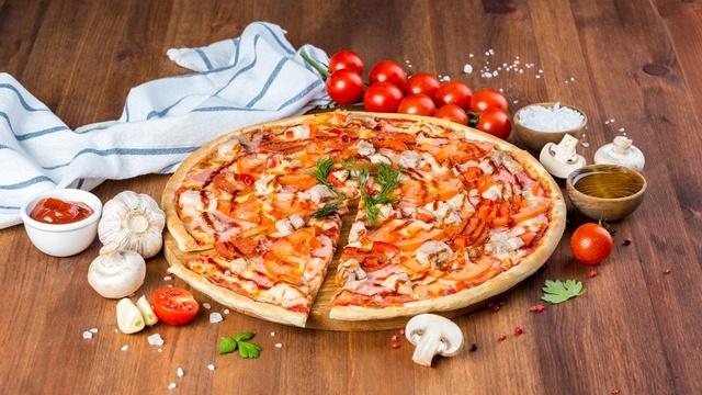 Федеральная сеть доставки еды «2 берега» открыла филиал в городе Кириши