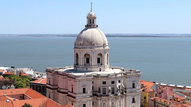 Туроператор «Лузитана Сол»: туры в Португалию с прямыми рейсами TAP Portugal