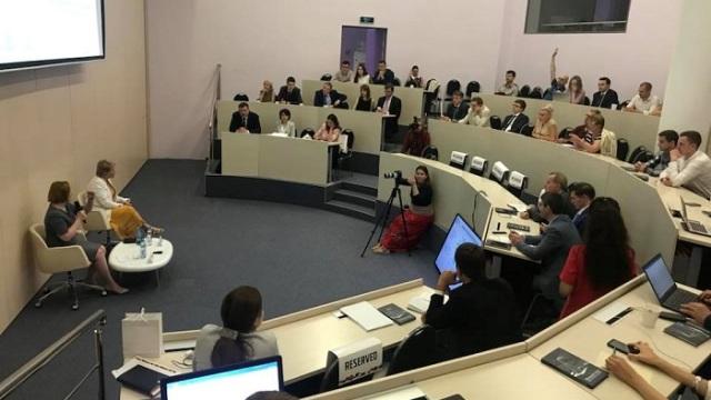 Гендиректор ИНК Марина Седых выступила в Сколково с лекцией об управленческих технологиях