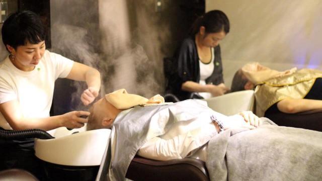 Российская делегация изучила секреты производства парикмахерского оборудования и косметики в Японии