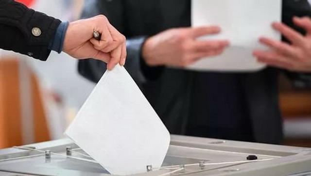 «Хакасия, выборы, оффшоры»: Что связывает коммуниста Коновалова и единоросса Хора?